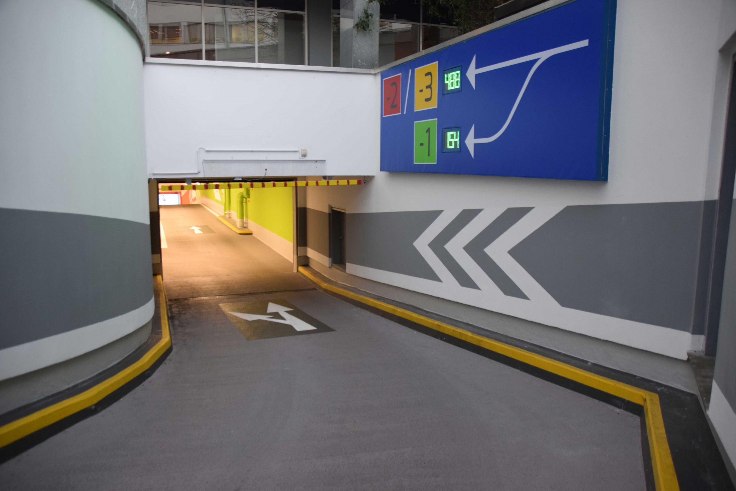 Einfahrt Tiefgarage Sillpark Shoppingcenter